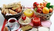 خوردن چه غذاهایی در سحر بوی بد دهان را افزایش یا کاهش میدهد؟