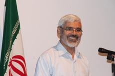 بنی صدر به حزب اللهی ها لقب تندرو می داد / جریان استحاله طلب نقاب نفاق بر چهره کرده