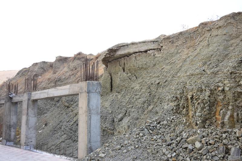 مسکن مهر گلشهر ارومیه در سیلگاه بنا شده است / بارش شدید باران در مسکن مهر سایت ایثار می تواند منجر به بروز فاجعه شود