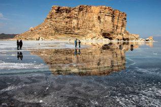 هدایت روان آب ها عامل افزایش تراز آب دریاچه ارومیه / هیچ پروژه آب رسانی هنوز به بهره برداری نرسیده است