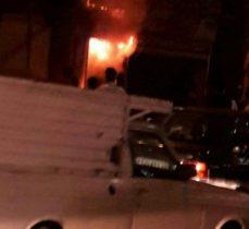 مهار آتش سوزی شب گذشته در خیابان امام (ره) ارومیه / هیچ آسیبی به بافت بازار تاریخی ارومیه نرسیده است